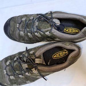 Keen men's hiking boots, size 13